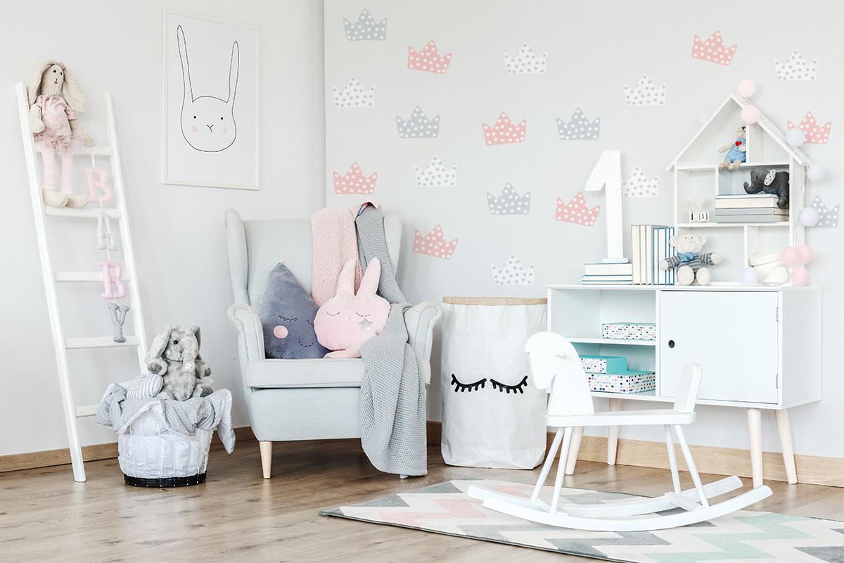 Dekorácia na stenu - korunky - šedo-bielo-ružové