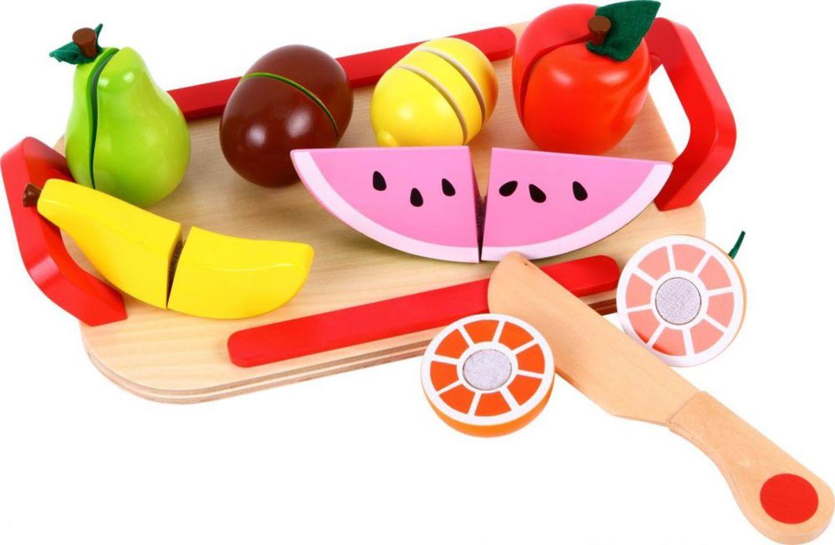 Drevené ovocie na krájanie