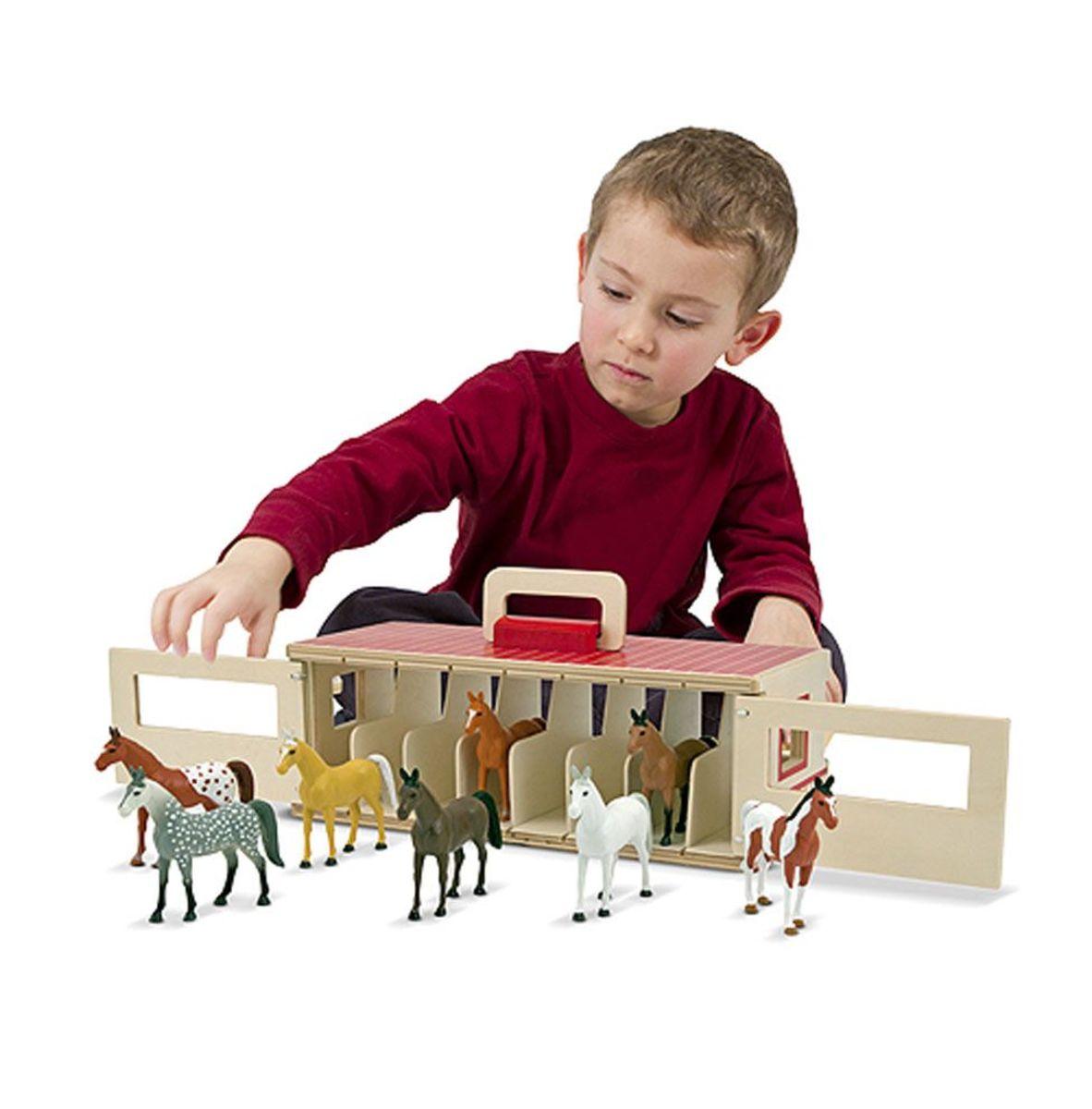 Drevená stajňa pre kone s 8 boxmi Wooden stable set