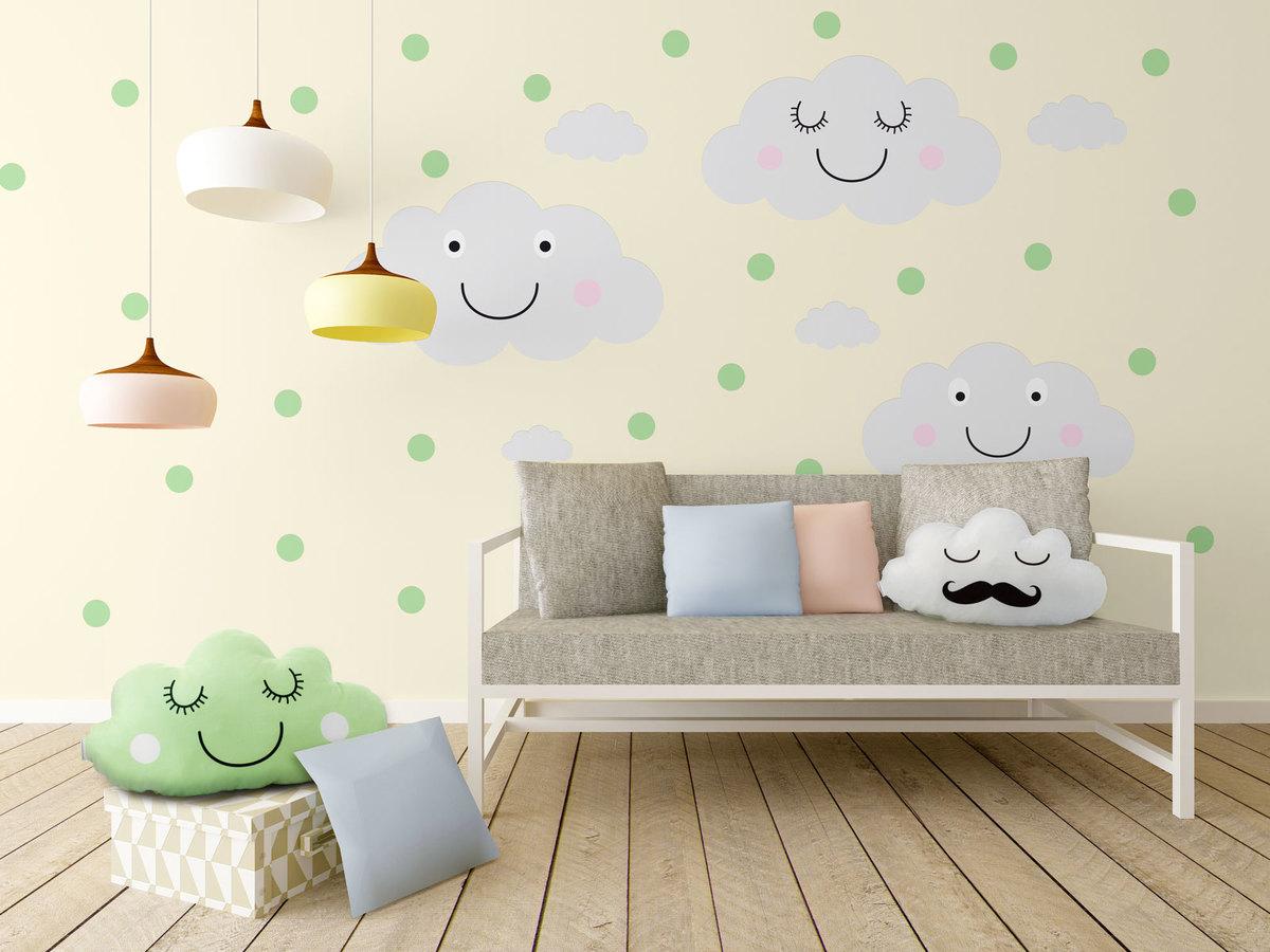 Dekorácia na stenu - veselé mráčky + mätové bodky