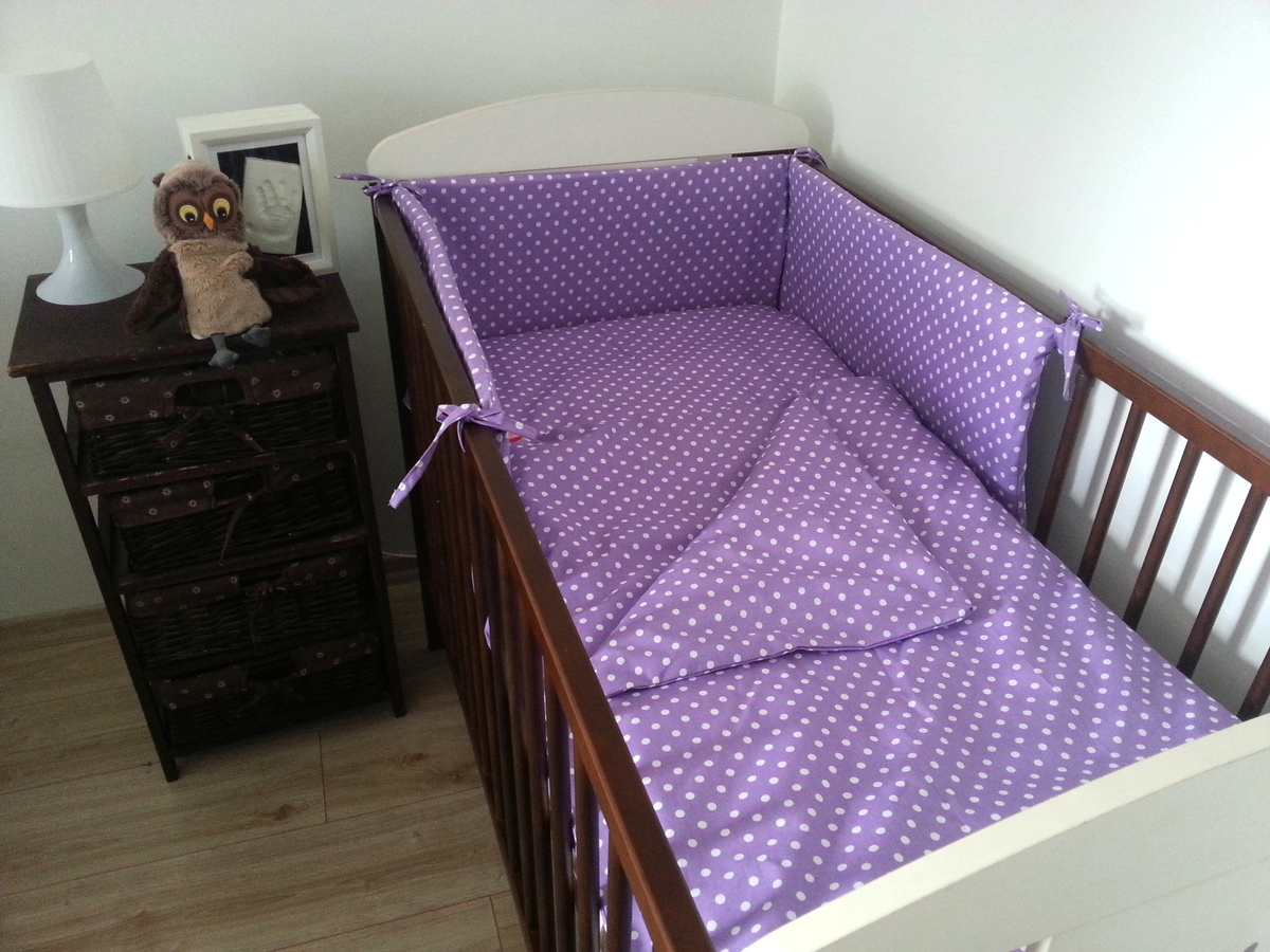 Detské obliečky s bodkami - fialové 180x30 cm mantinel bodky