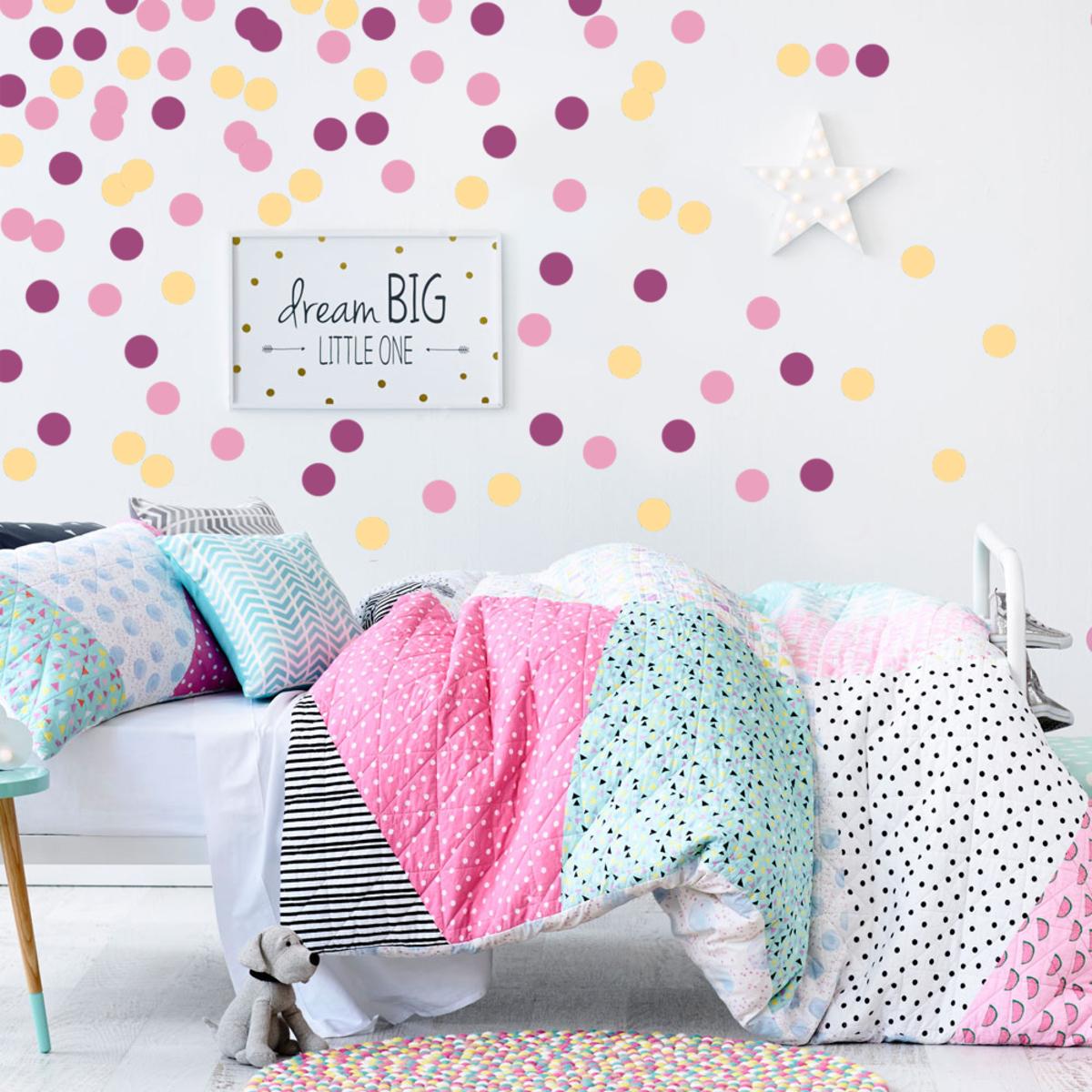Samolepky na stenu - veselé ružové konfety svieža ružová