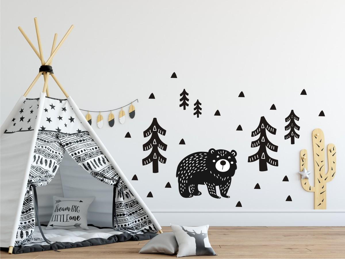 Dekorácia na stenu - medveď v lese - čierna